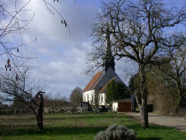 eglise-vue-des-champs